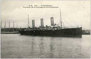 Το πλοίο όταν ακόμα τα φουγάρα του δεν είχαν βαφτεί με τα χρώματα της Cie de Navigation Sud-Atlantique. (Andre Durand Collection)