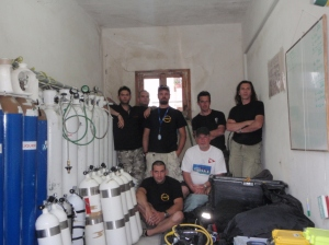 The first team of the S/S Burdigala Project expedition at the filling station which was graciously provided by the Municipality of Kea. The Oxygen and Helium gases were sponsored by Air Liquide Hellas.